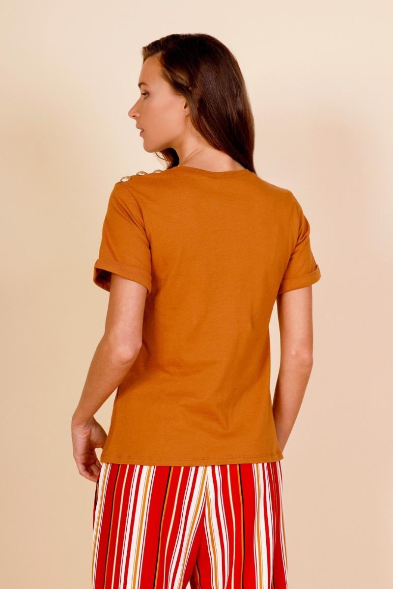 t-shirt-in-cotone-con-applicazioni